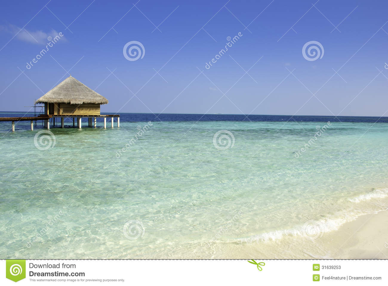 Indian Ocean With Water Villa Stock Photos - Image: 31639253