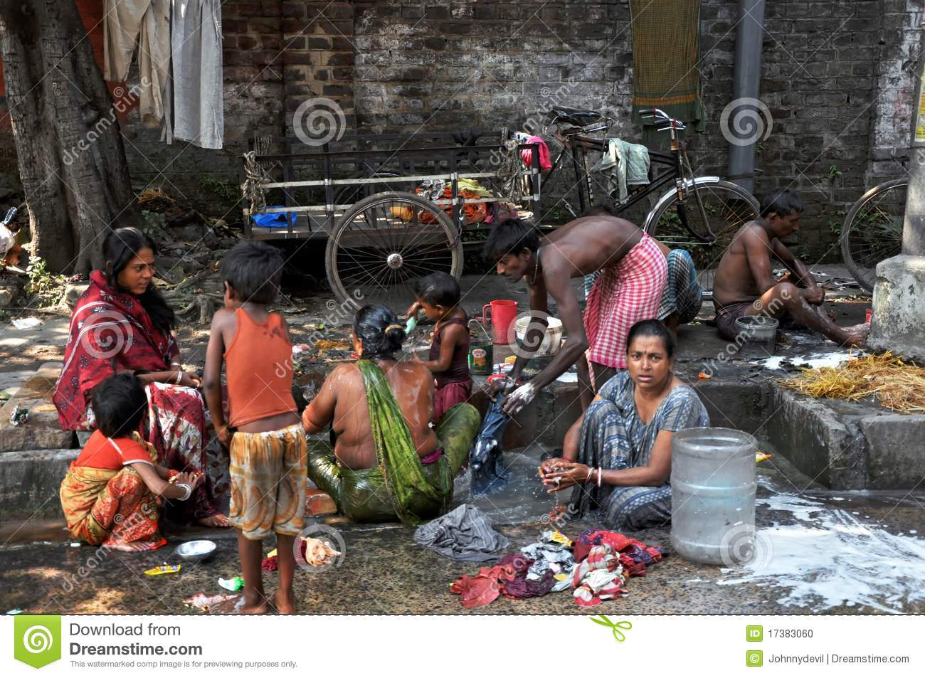 KOLKATA, INDIA - 27 OCTOBER, 2009: An unidentified group of Indian ...