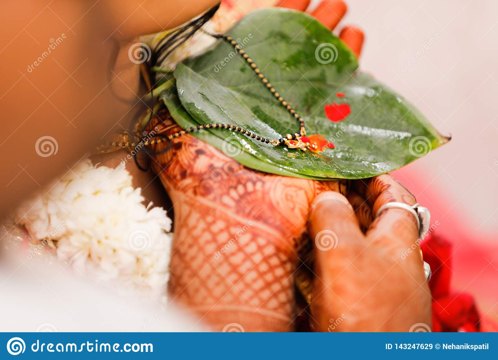 Indian wedding, mangalsutra ceremony
