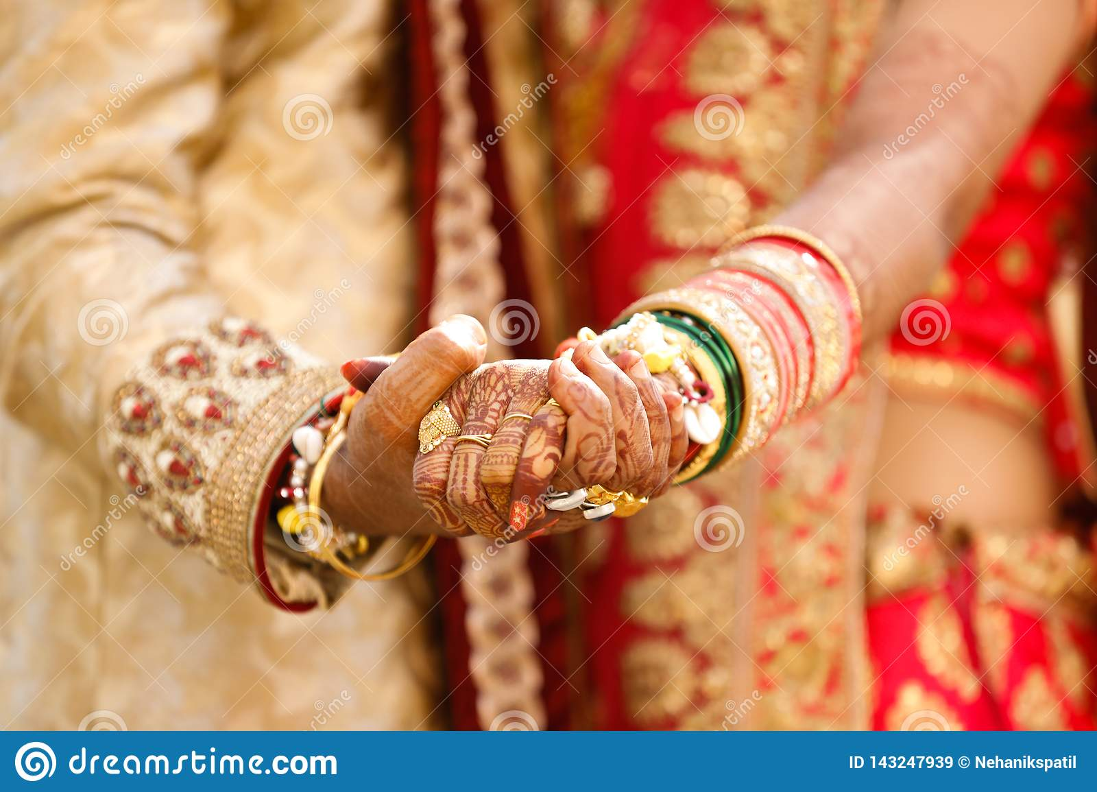 Indian Wedding Photography Groom And Bride Hands Stock Image Image Of Henna Hand 143247939