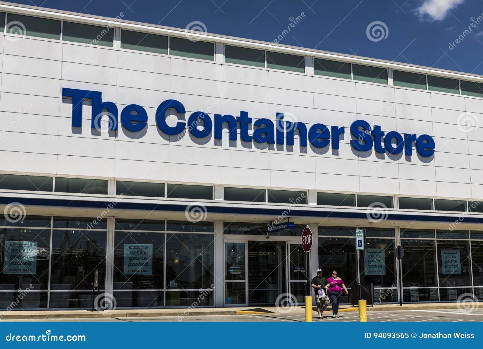 Indianapolis - cerca do junho de 2017: O lugar do retalho da loja do recipiente A loja do recipiente oferece-me a produtos do arm