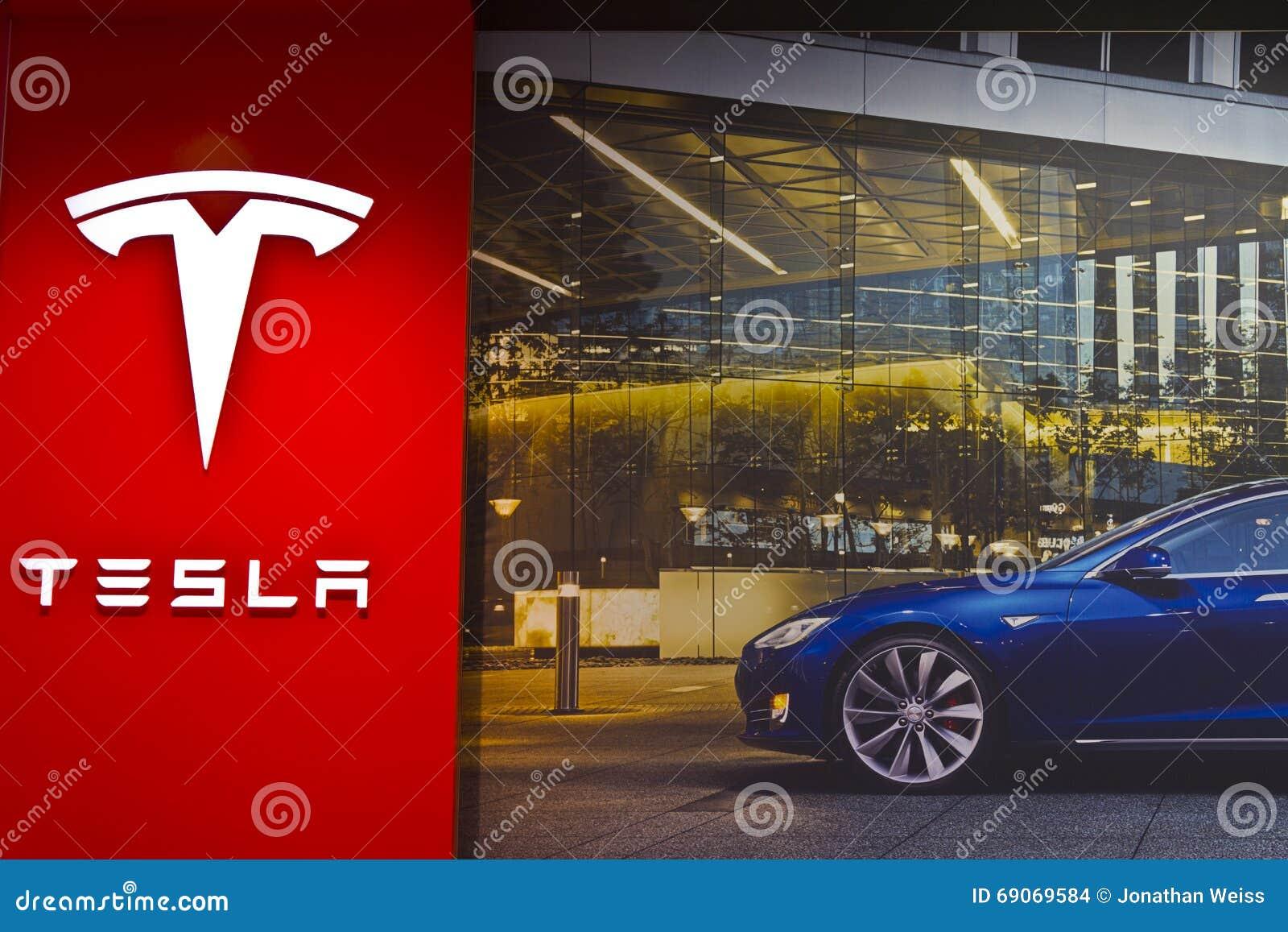 Indianapolis - cerca do março de 2016: Loja III dos motores de Tesla