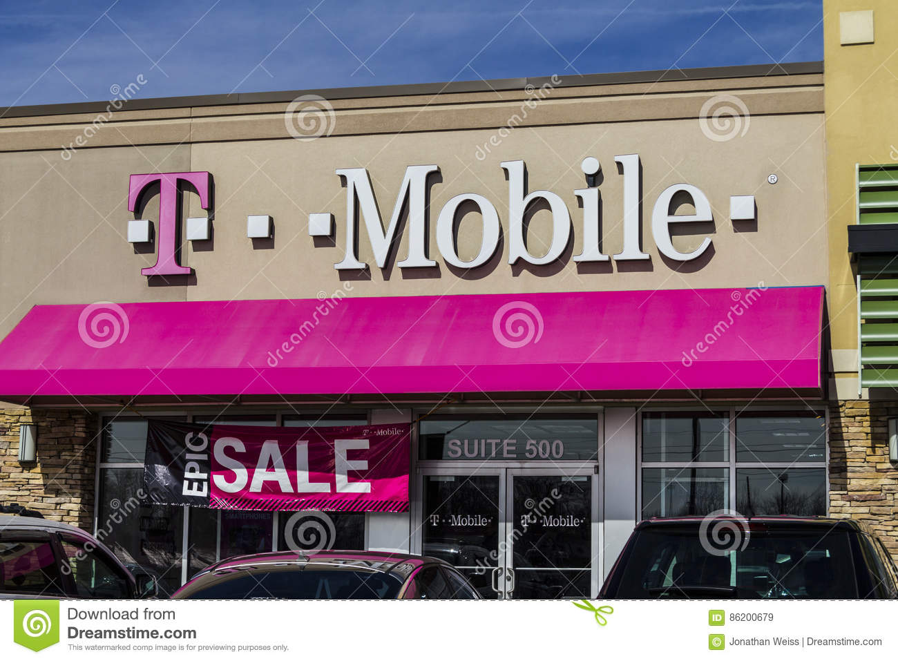 Indianapolis - Circa February 2017: T-Mobile Retail Wireless Store ...