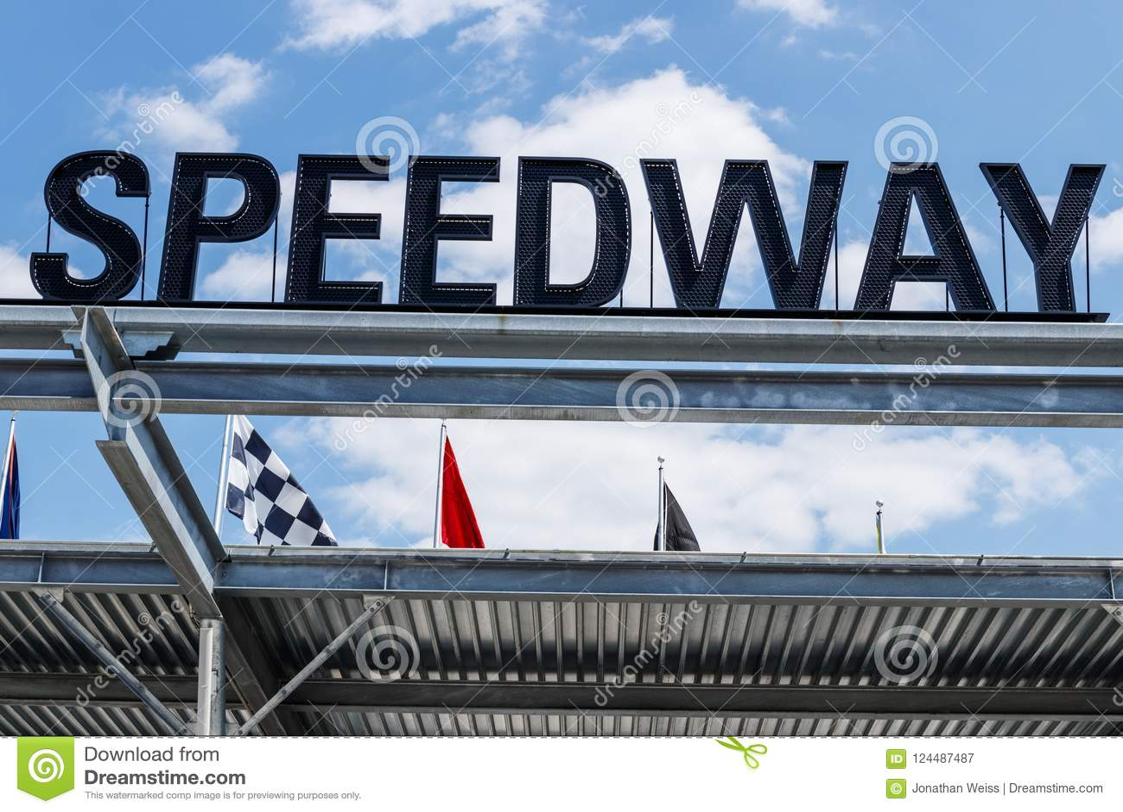Indianapolis - circa im August 2018: Eingang Indianapolis Motor Speedway Flugsteig-1 IMS bewirtet den Indy 500 und die Ziegelei-A