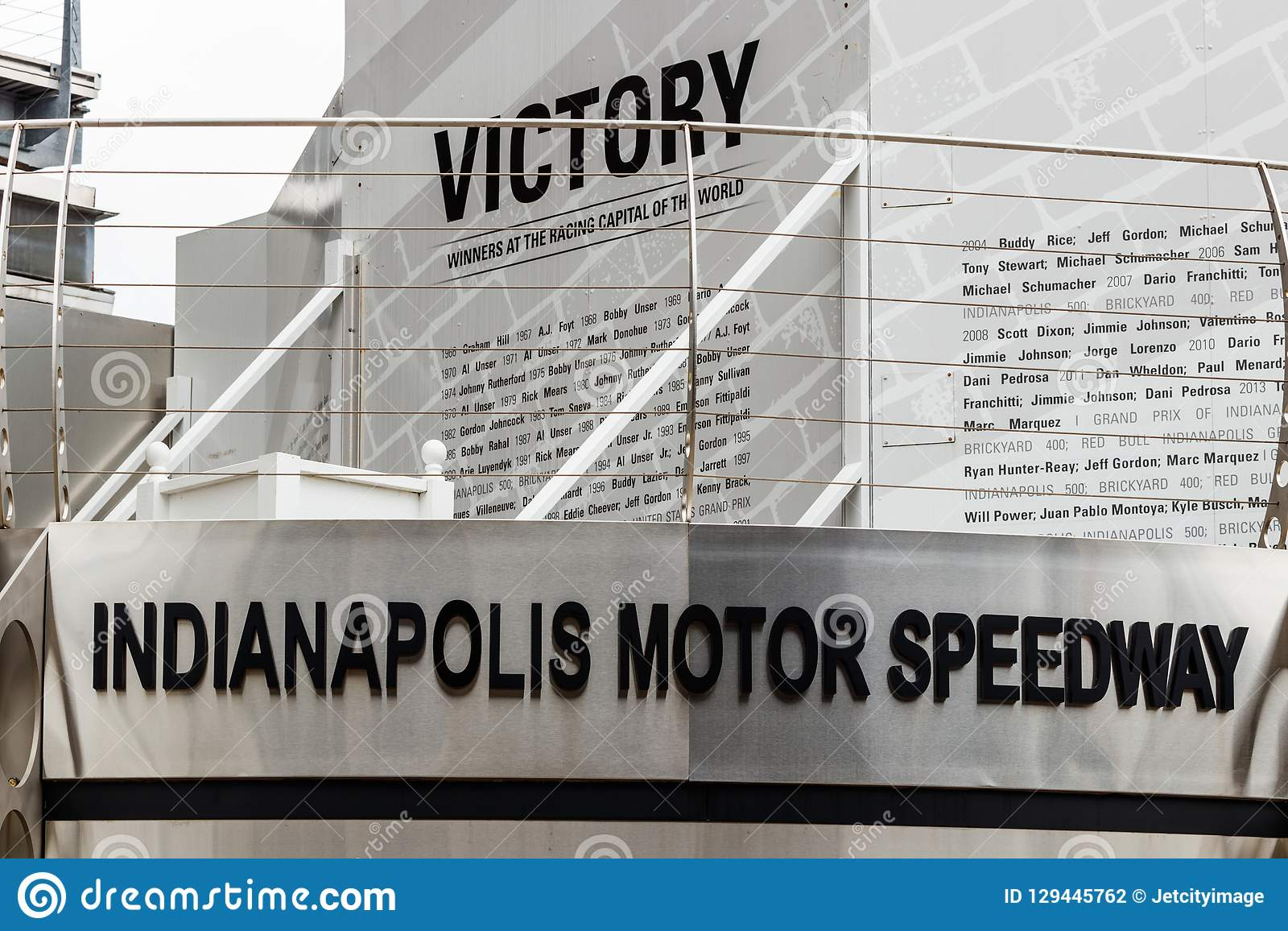 Indianapolis - circa im September 2018: Victory Circle in Indianapolis Motor Speedway IMS ist zum Indy 500 Haupt