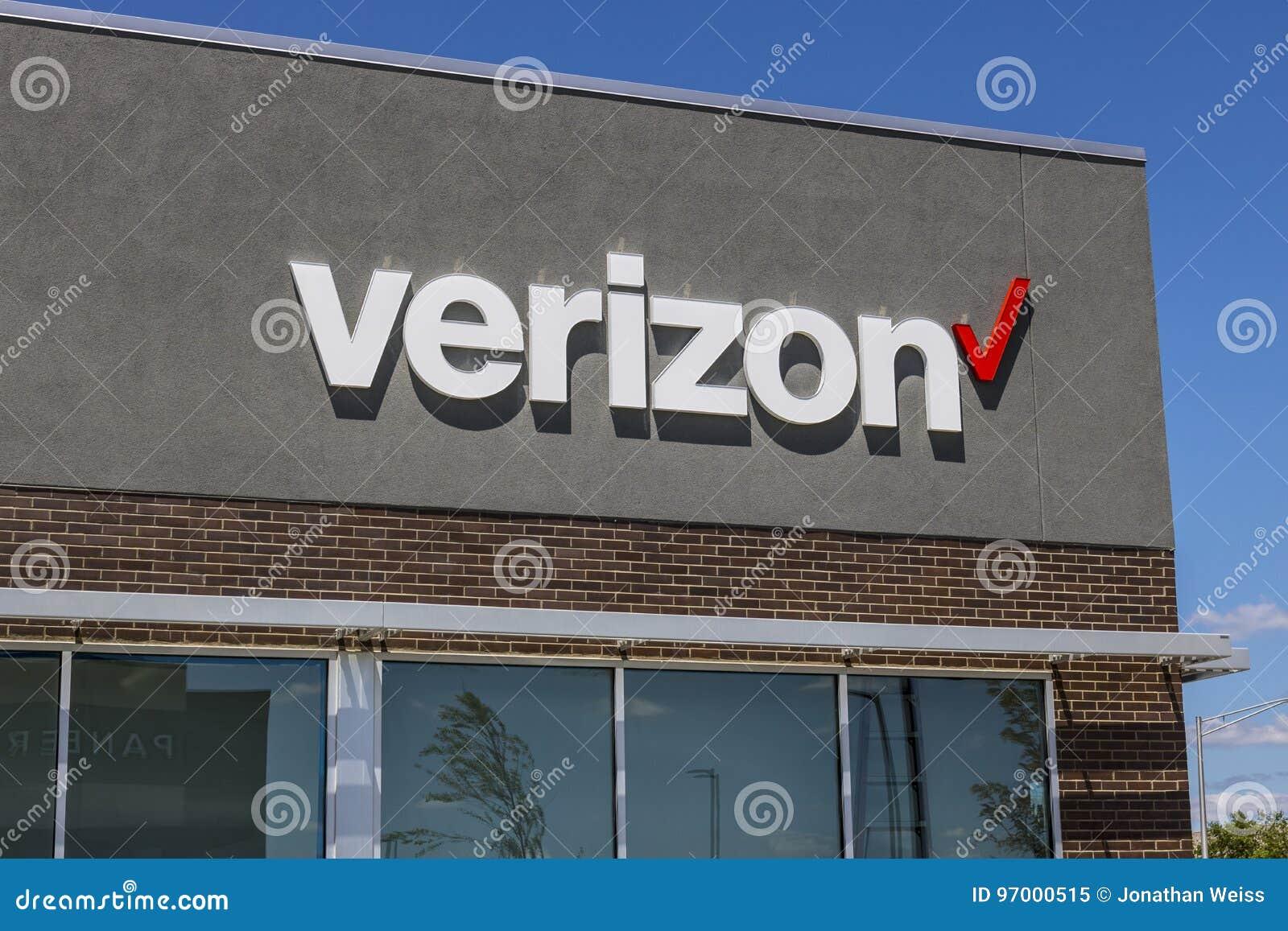 Indianapolis - Circa Juli 2017: De Kleinhandelsplaats van Verizon Wireless Verizon is grootste U S draadloze communicatie leveran