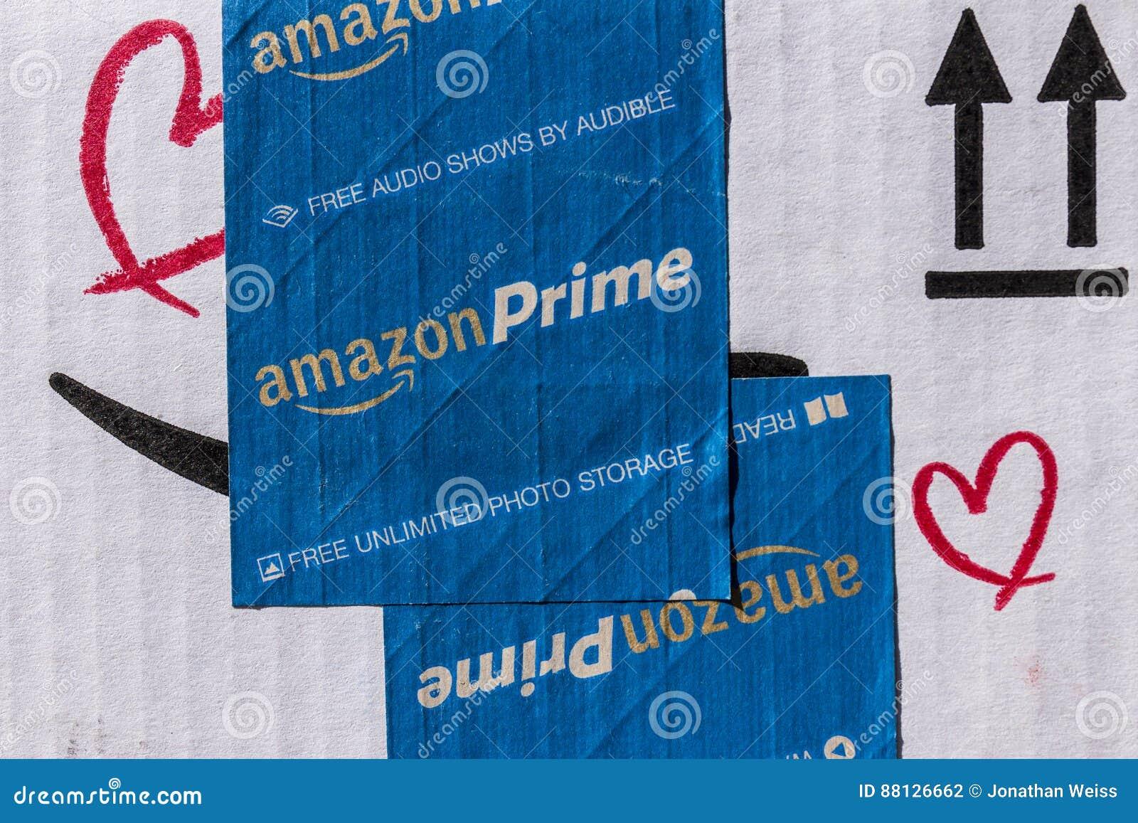 Indianapolis - circa marzo de 2017: Paquete del paquete de la prima del Amazonas amazon COM es un minorista en línea primero VI
