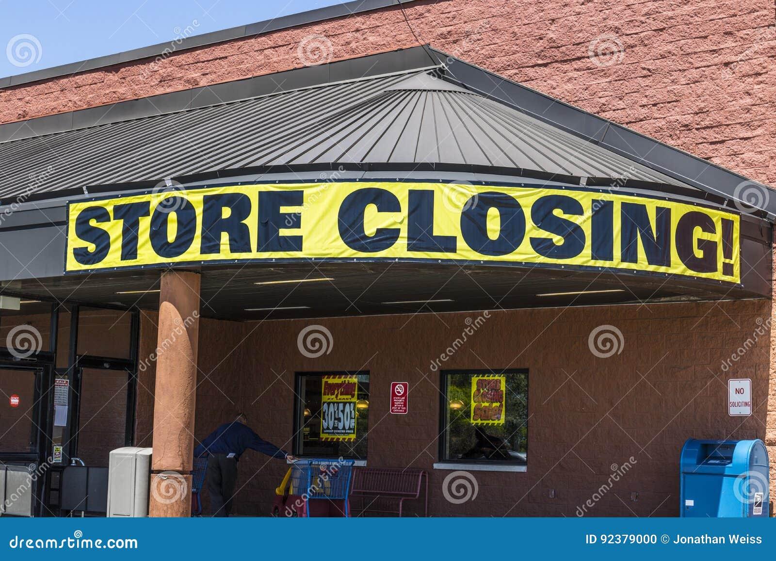 Indianapolis - circa mayo de 2017: Almacene la muestra cerrada en una salida del mercado del ultramarinos del negocio II