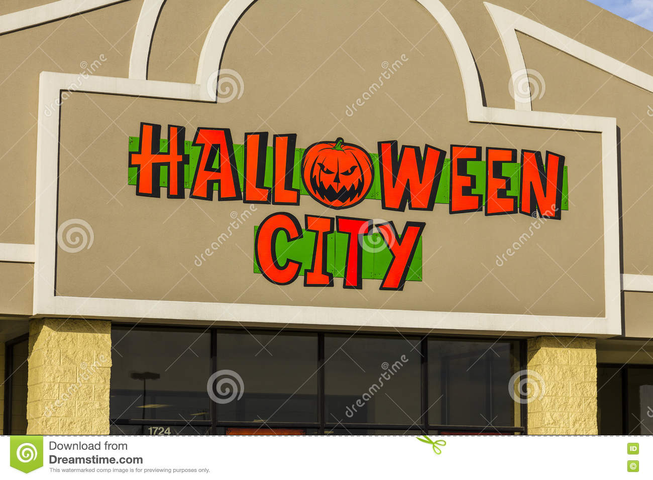 indianapolis - circa november 2016: halloween city retail strip mall