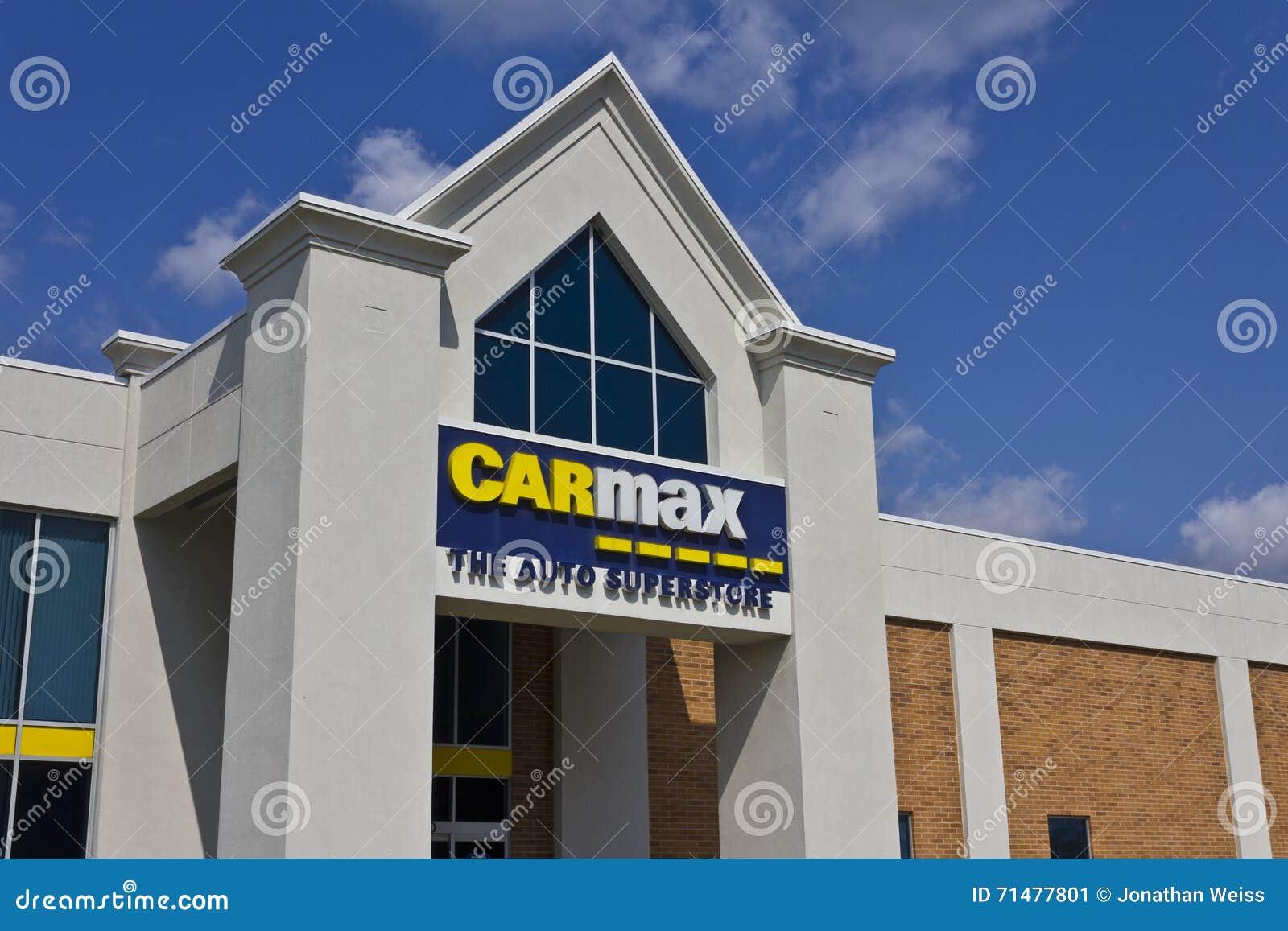Indianapolis - Około Maj 2016: CarMax Auto przedstawicielstwo handlowe Ja