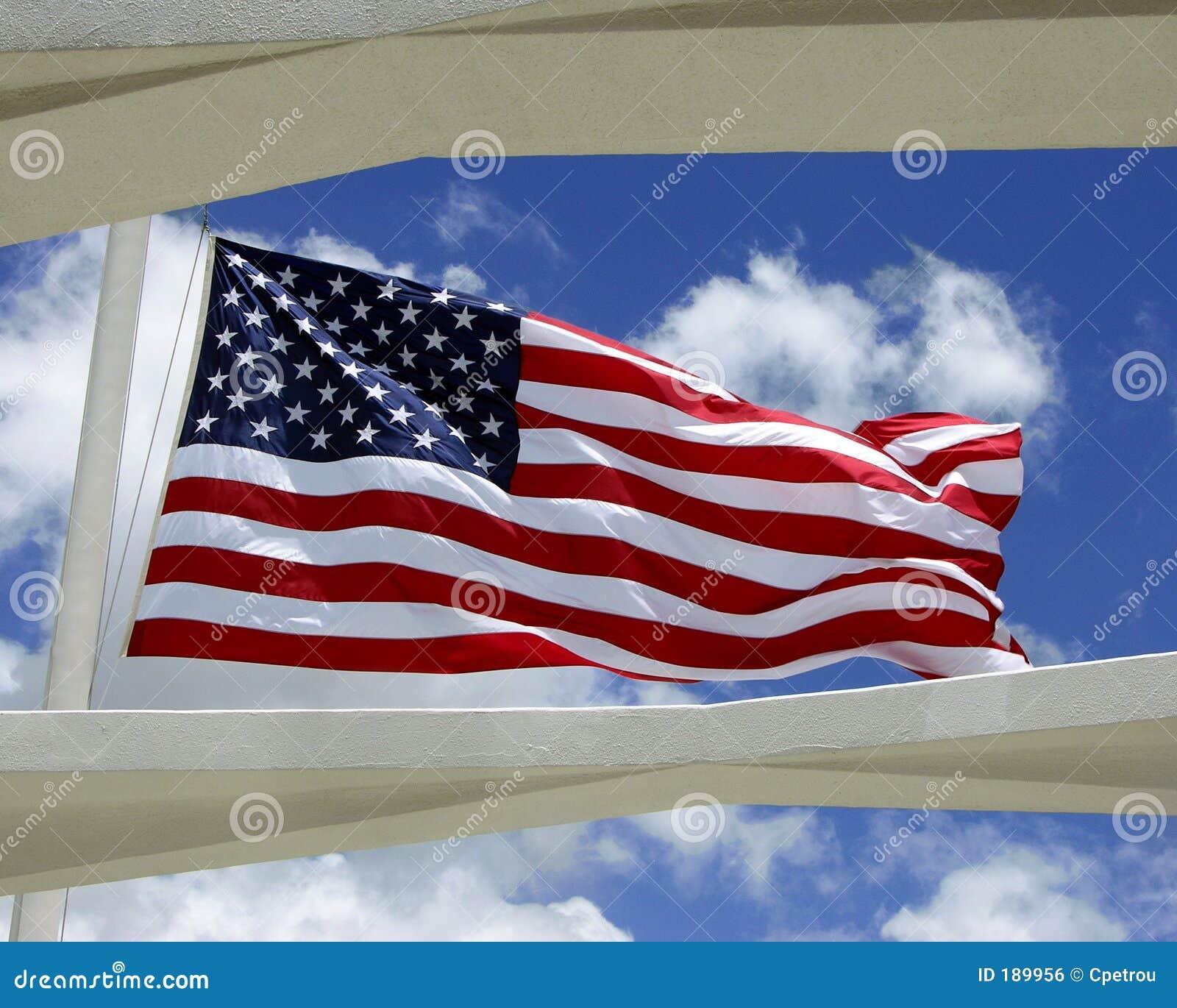 Indicador de los E.E.U.U. sobre el monumento de USS Arizona