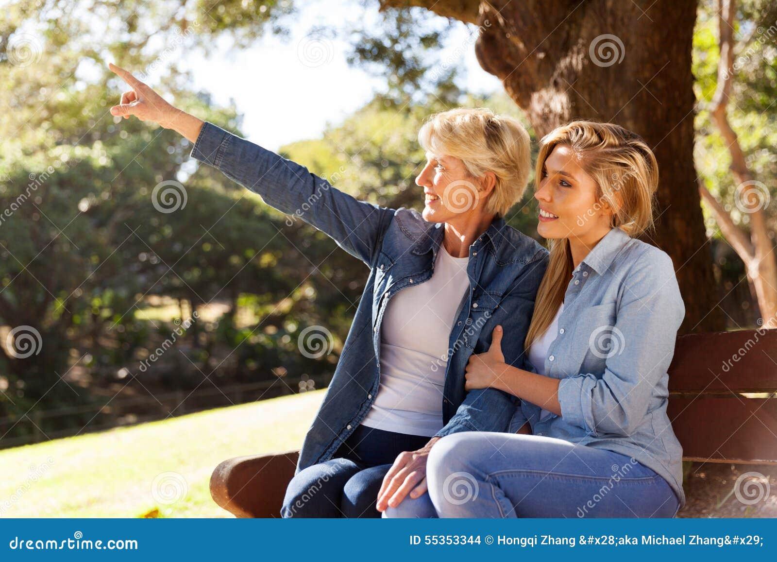 Indicare della figlia e della madre