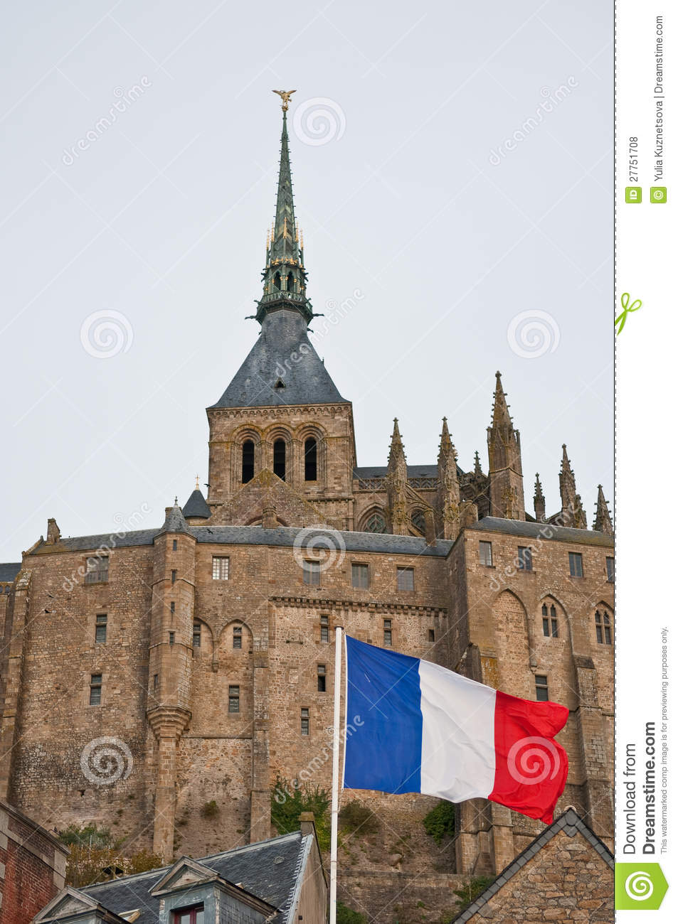 Indicateur français devant le Saint-Michel de Mont.