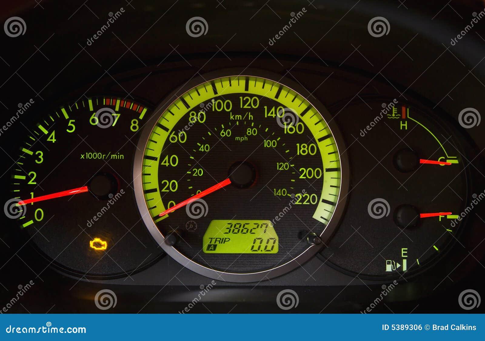 Indicatore luminoso del motore di difficoltà dell automobile