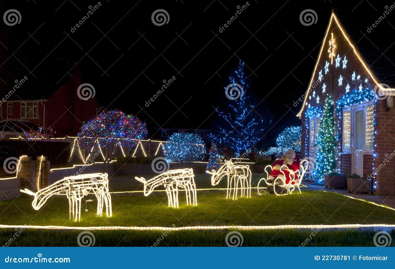 Indicatori luminosi di natale della renna immagine stock immagine di colorful dicembre 22730781 - Renna natalizia luminosa per giardino ...