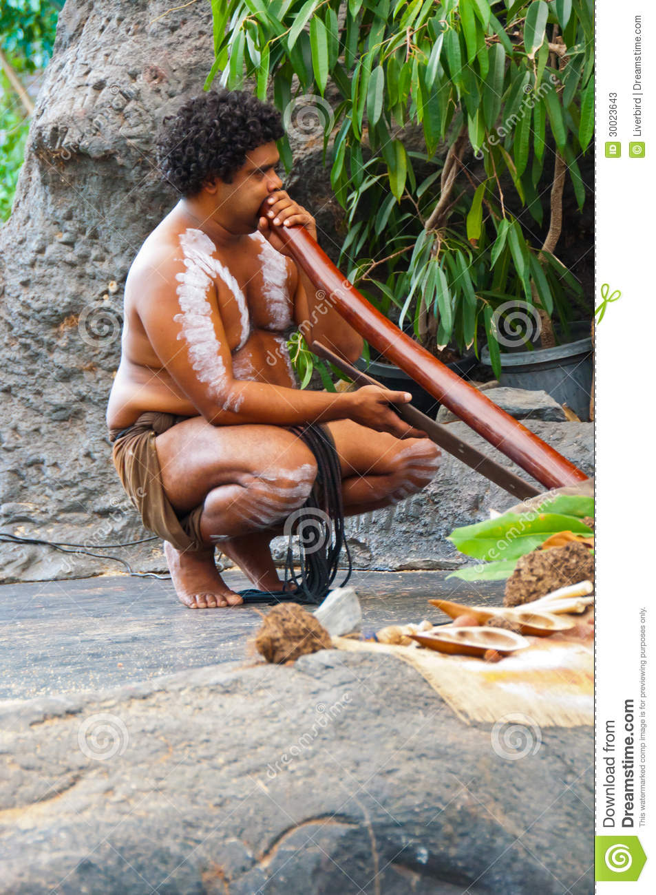 the culture of the didgeridoo A soulful instrument that has been played on every continent (and even in space), the didgeridoo can be played by anyone with a little practice it is simply a tube that creates unique sounds through the control of the lips, breath, tongue, voice, and stomach muscles.