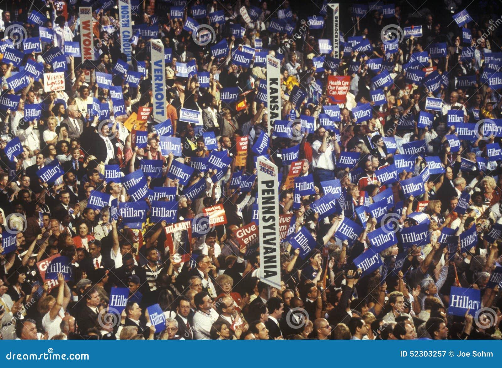 Indique delegações e sinais nas 2000 convenções Democráticas em Staples Center, Los Angeles, CA