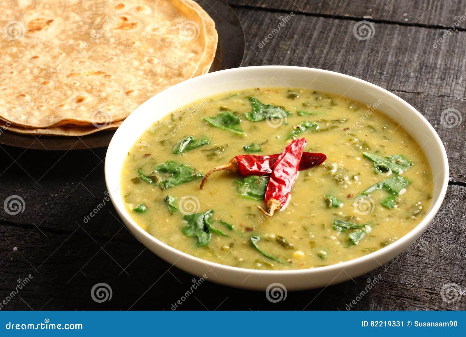 Indische cuisine- Dal palak schotel