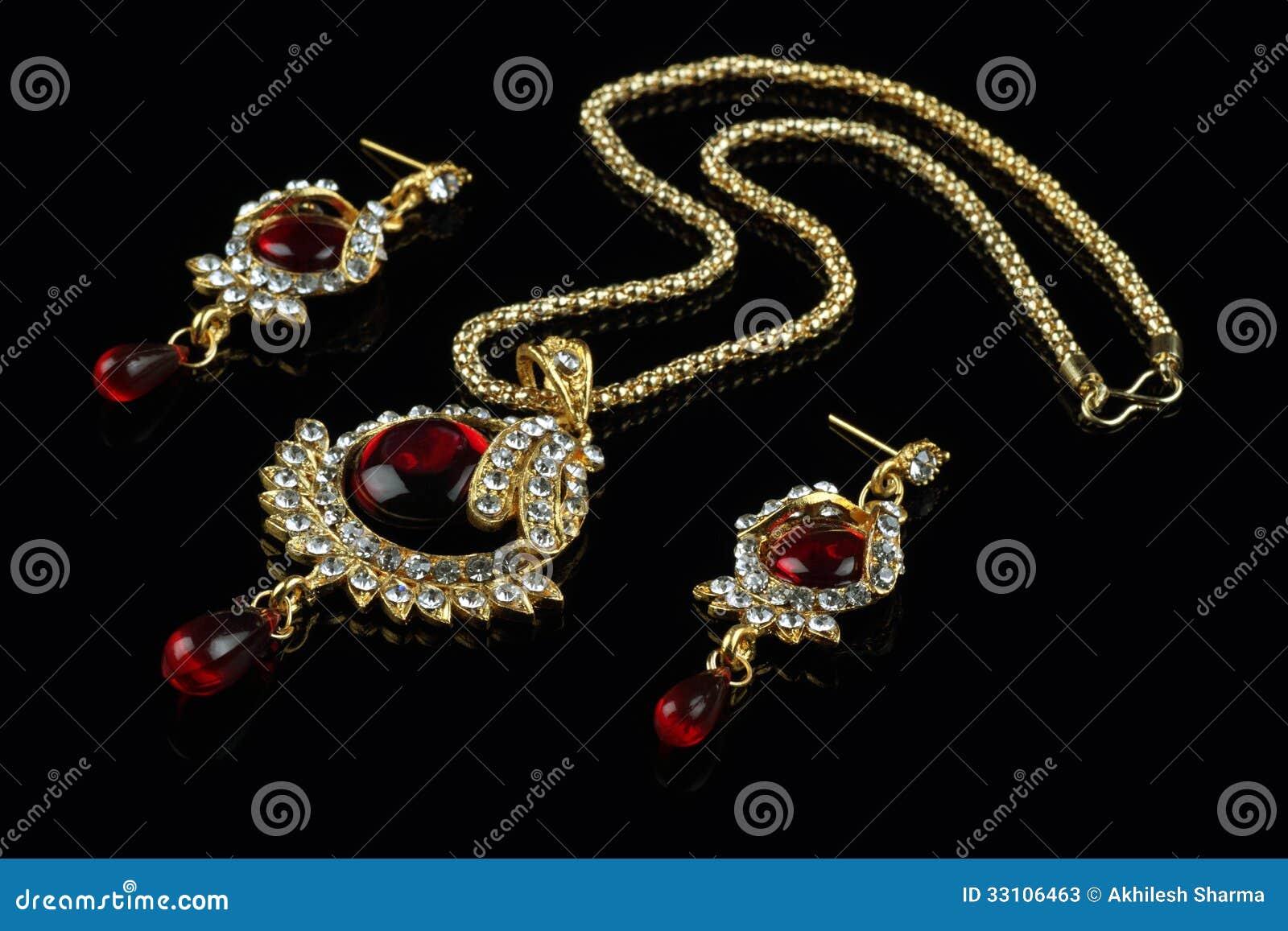 Indische Geplaatste Stijljuwelen - Halsband en Oorringen