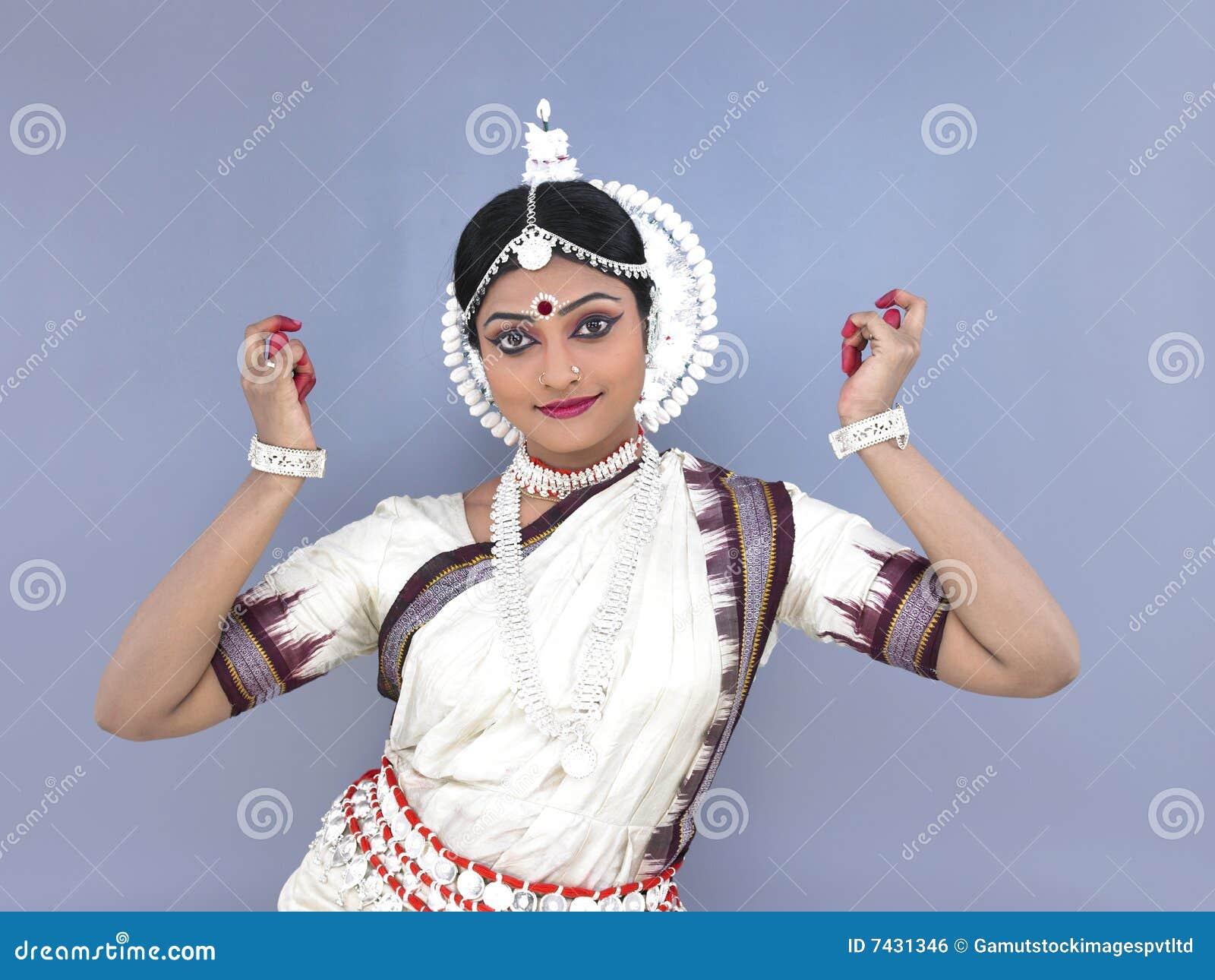 Indische klassieke vrouwelijke danser