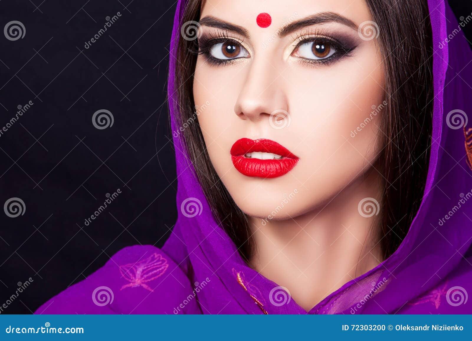 Indisches Madchen Im Bild Eines Schonen Makes Up Stockfoto Bild