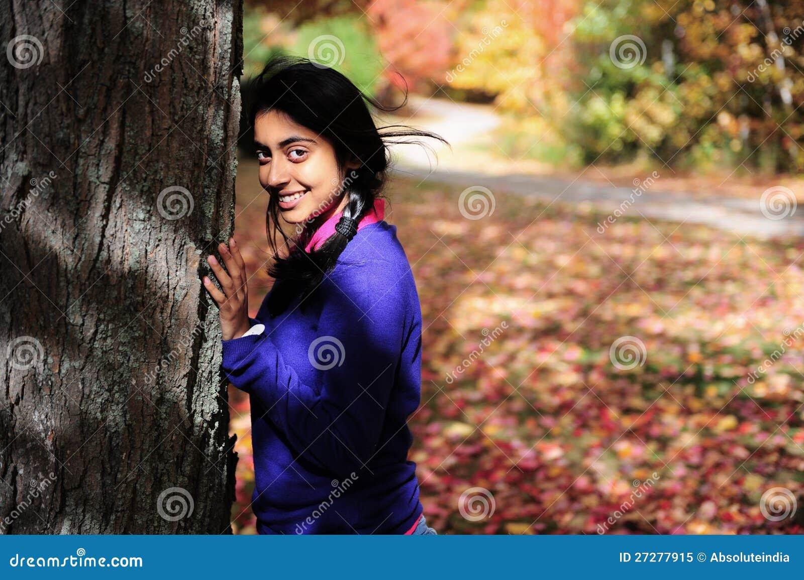 Indisk flicka i Fallsäsong