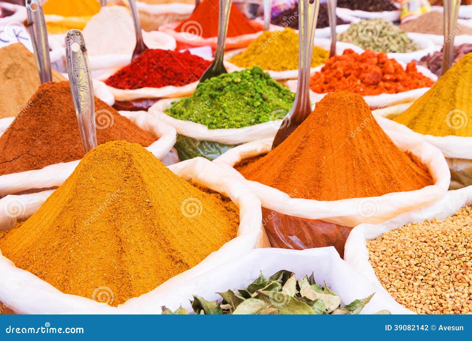 Indiska Kryddor Arkivfoto Bild Av Krydda Sked Smakligt 39082142