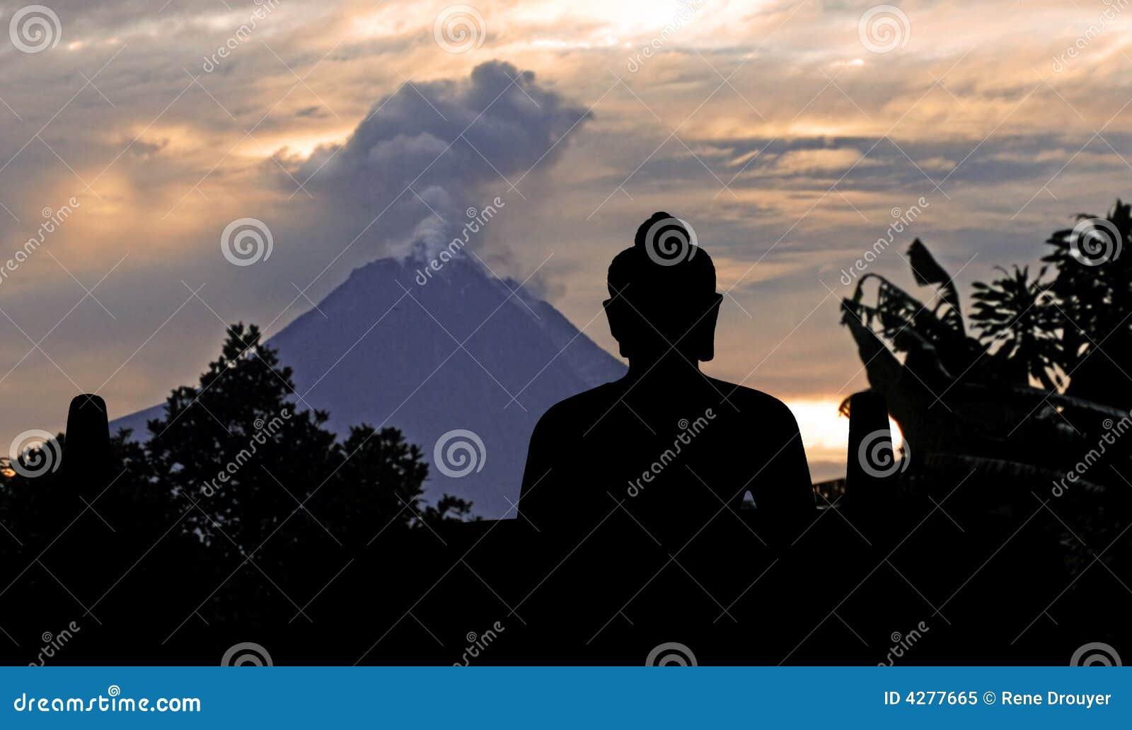 Indonesia, java, Borobudur: Merapi