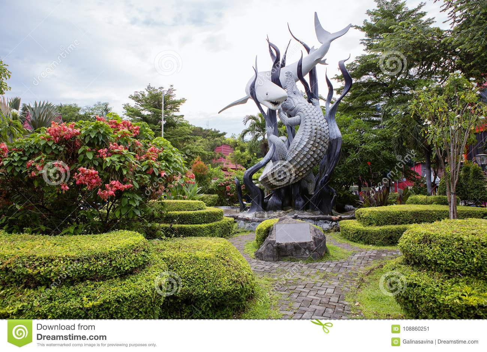 Indonesien surabaya Monument ` der Haifisch und das Krokodil ` als das Symbol von Surabaya