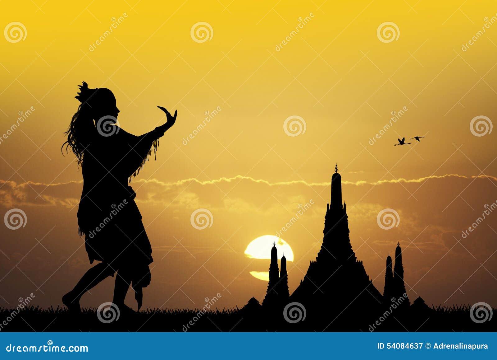 Indonesische dans bij zonsondergang
