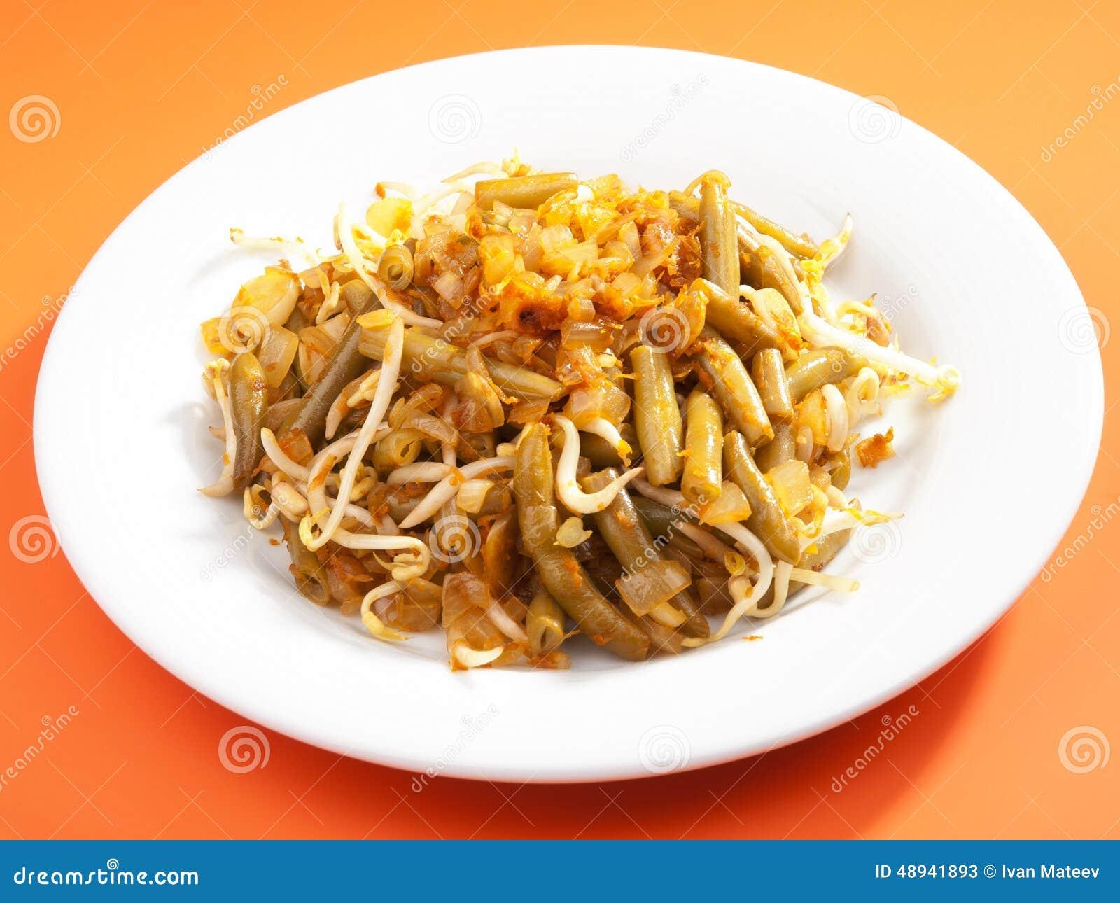 indonesische küche - bohnen mit sojasoße stockfoto - bild: 48941893
