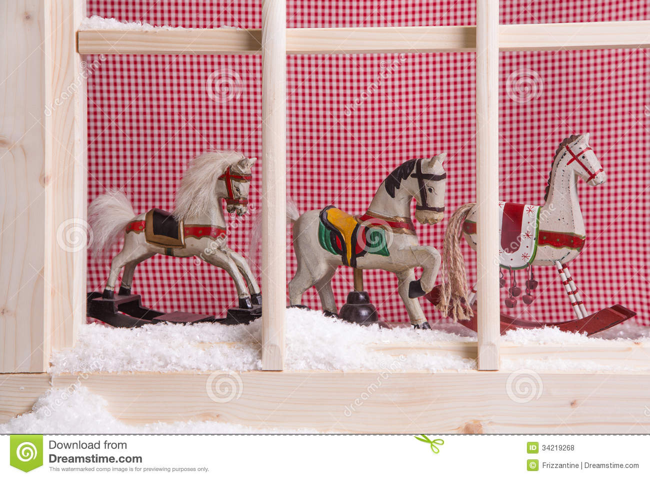 Indoor window sill christmas decoration rocking horses for Decoration noel fenetre gel