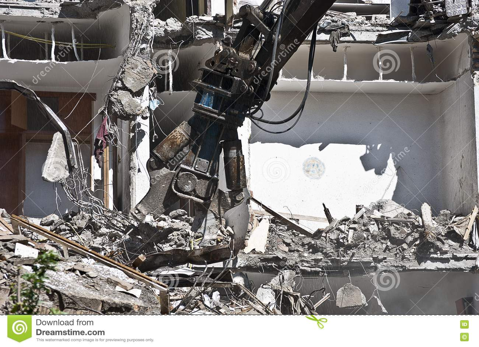 demolishing machine