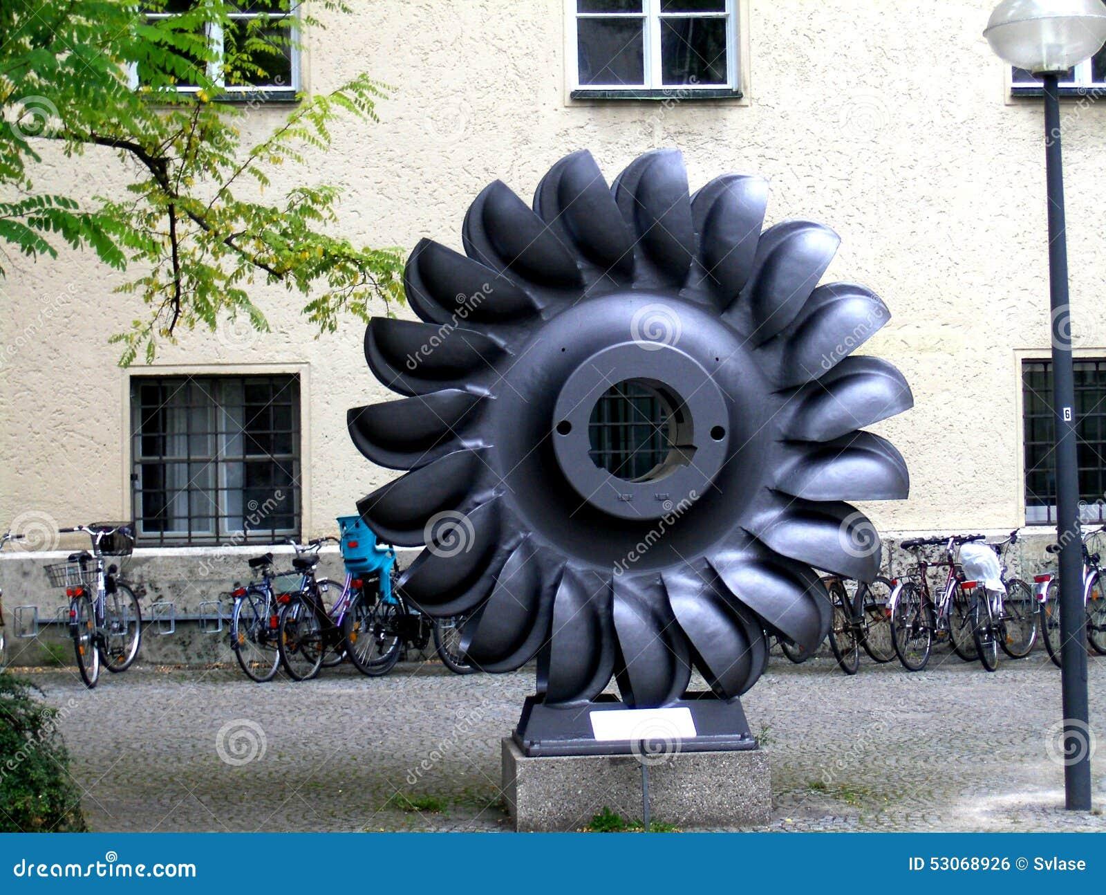 Industri le kunst in munchen voor het technische museum redactionele foto afbeelding 53068926 - Industriele apparaten ...