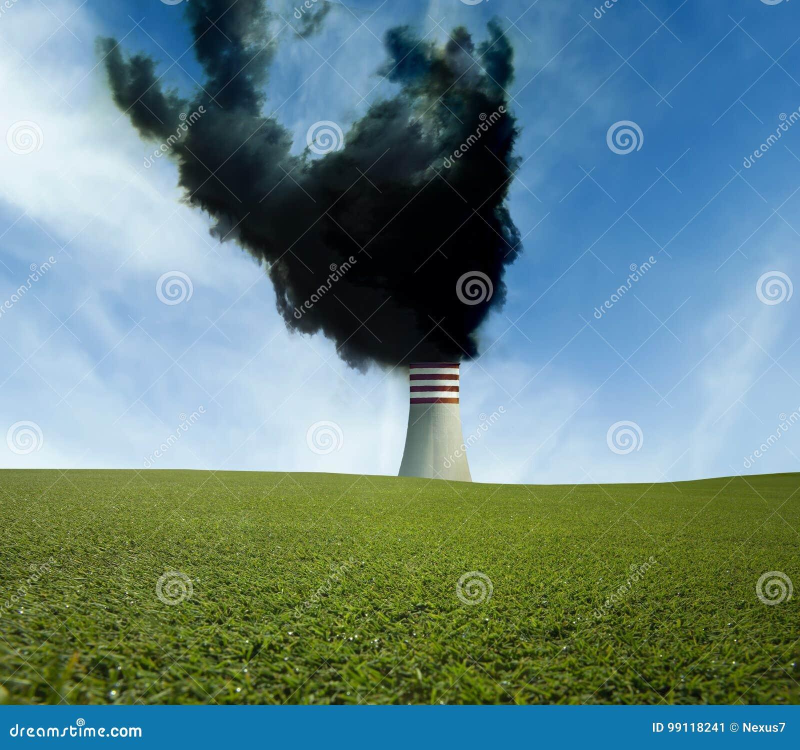 Industriële schoorsteen met zwarte rook