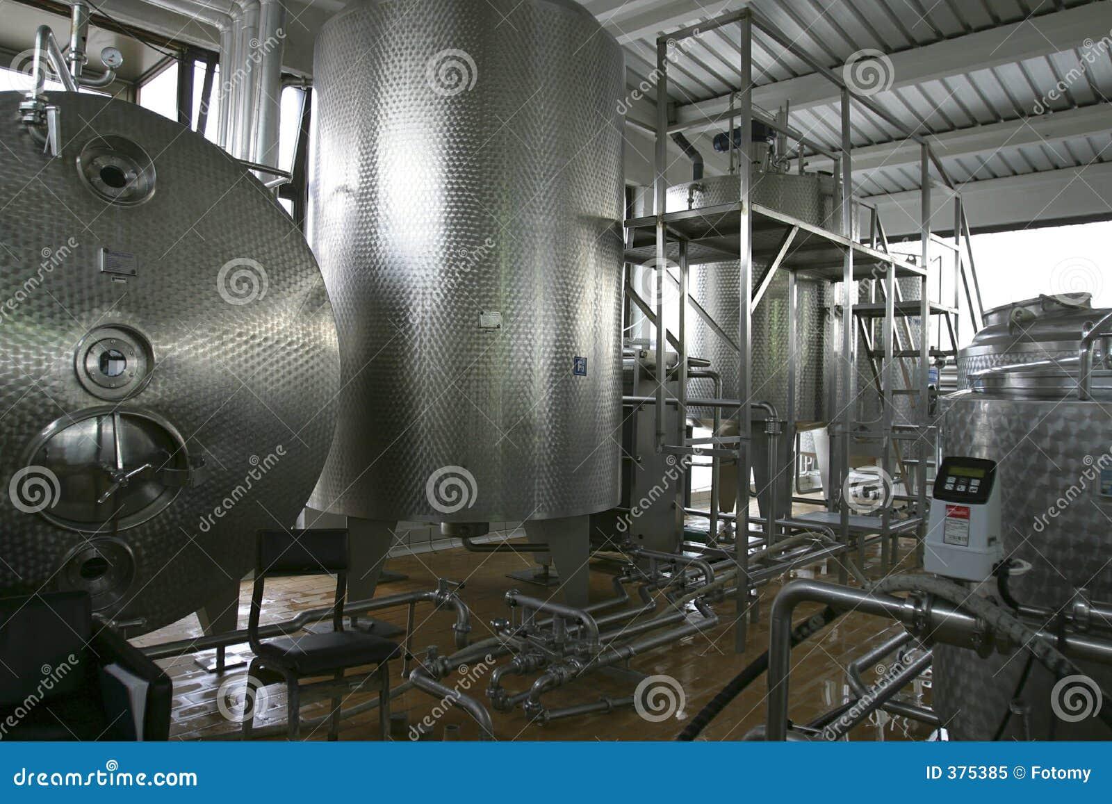 Industriële vloeibare opslagtanks