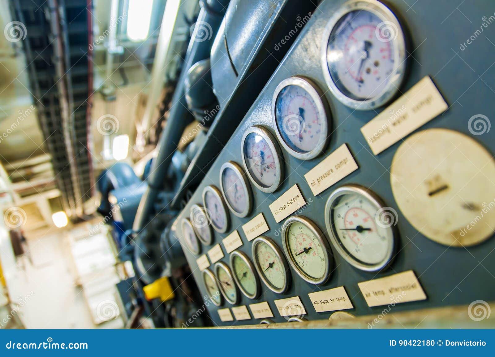 Industrial Pressure Gages