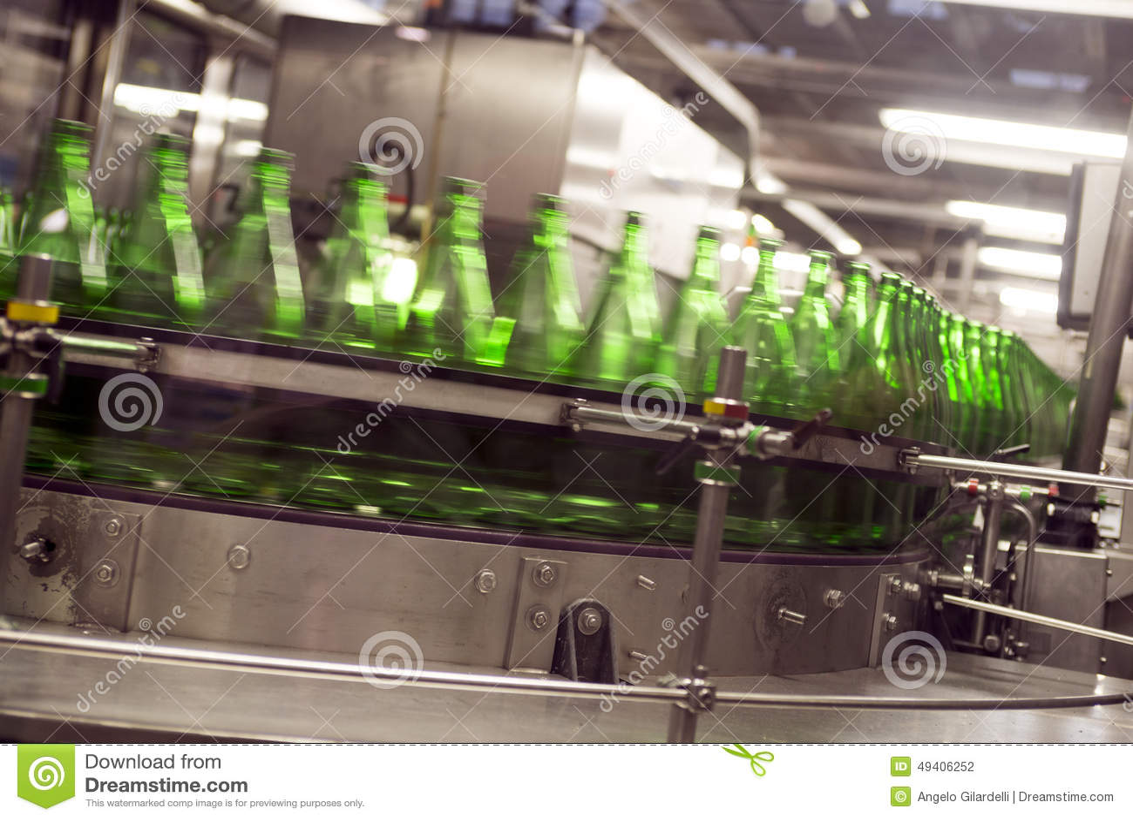 Download Industrie - Mineralwasser stockfoto. Bild von industrie - 49406252