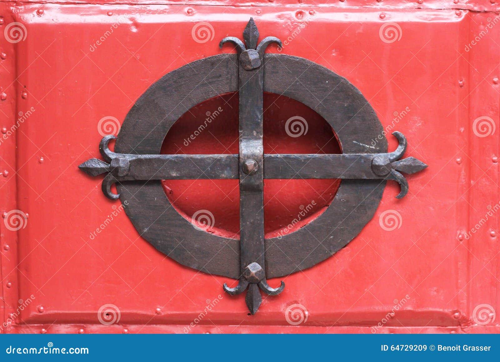 Industrie siderurgiche su legno rosso