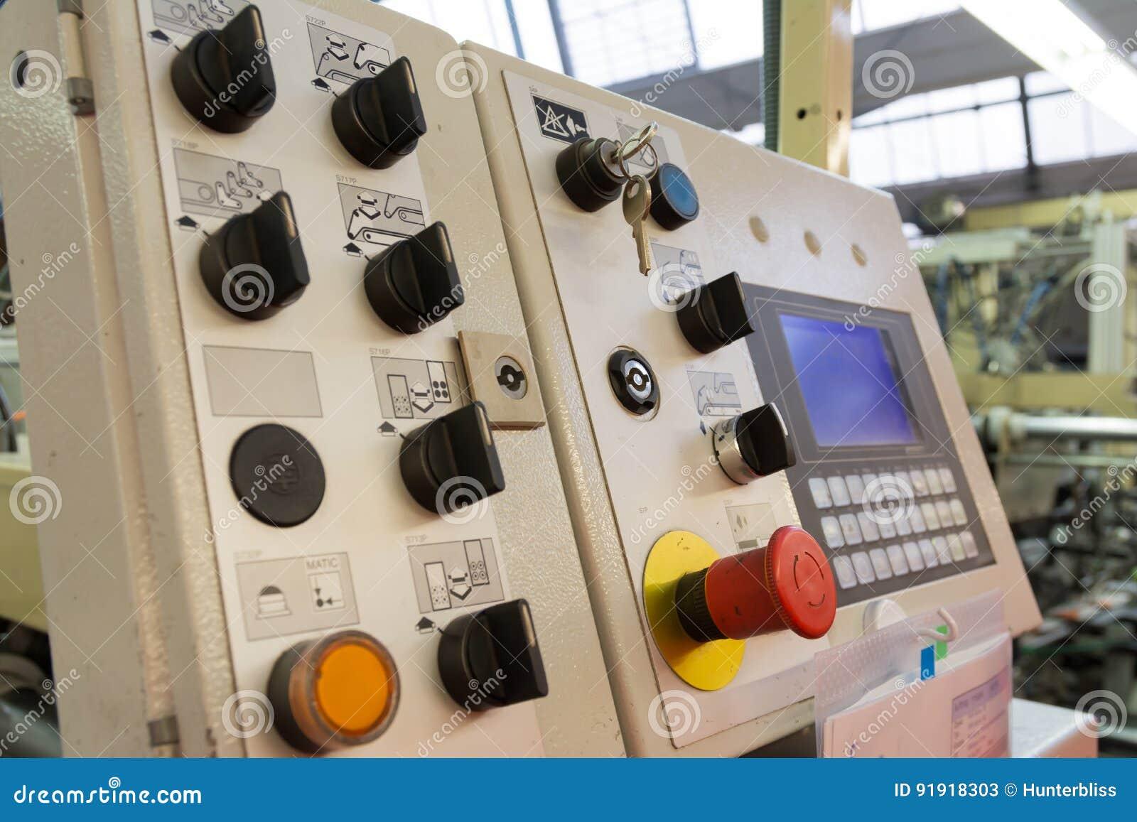 Großartig Industrielle Lichtschalter Bilder - Elektrische Schaltplan ...