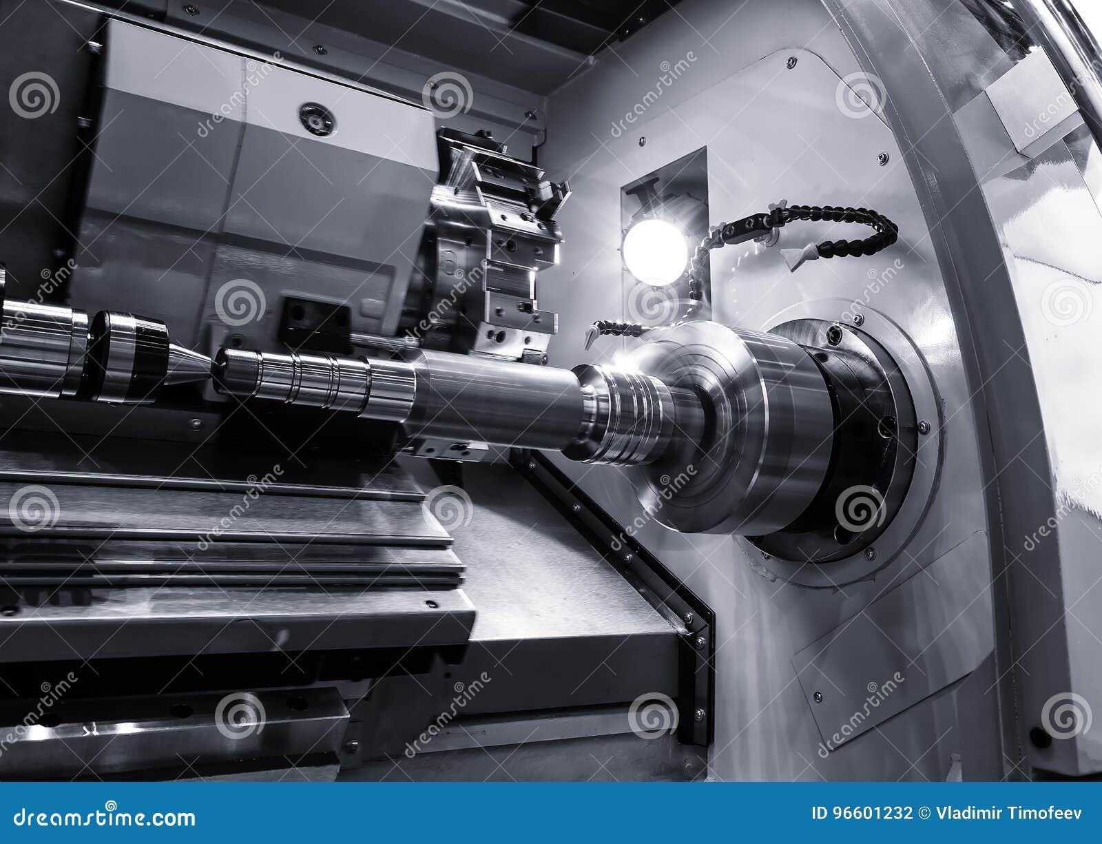 Industrielle Metallarbeit bohren Bearbeitungsprozeß durch Schneidwerkzeug auf automatisierter Drehbank