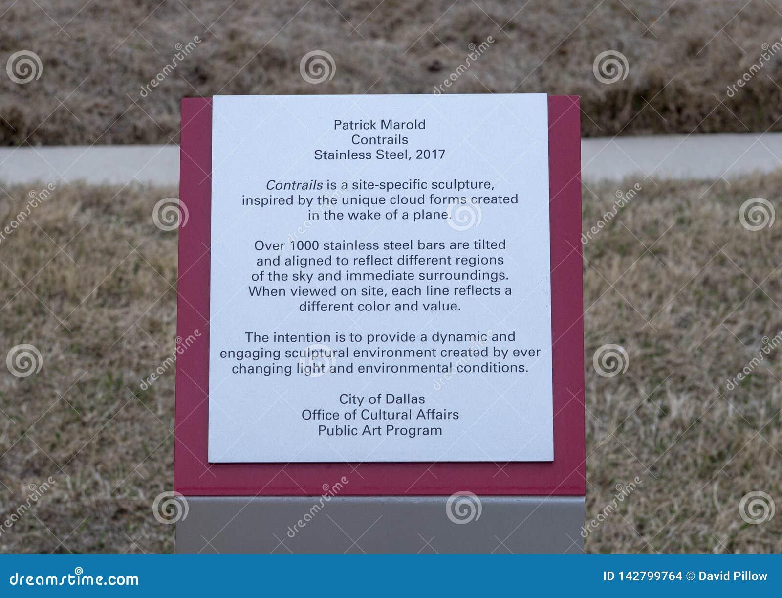 Informationsplakette für 'Contrails ', eine Edelstahlskulptur durch Patrick Marold, Liebes-Feld, Dallas, Texas