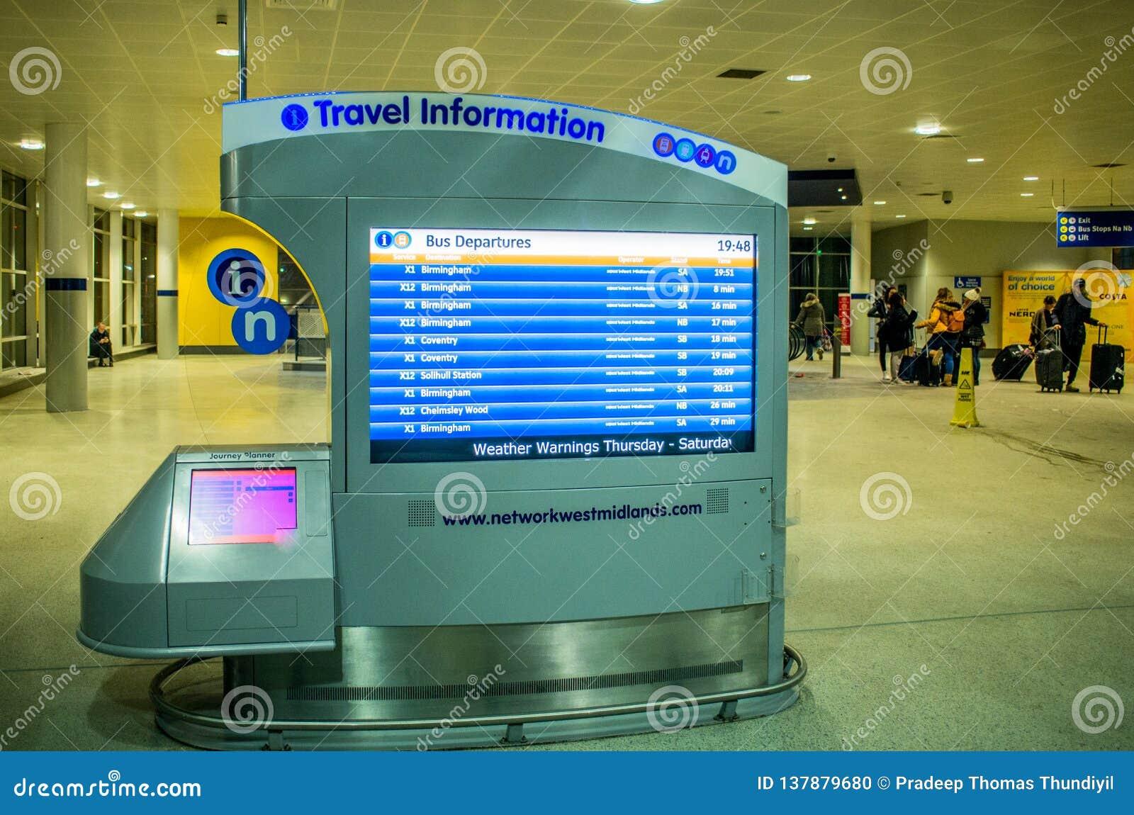 Informationsskärm om lopp på den Birmingham flygplatsen