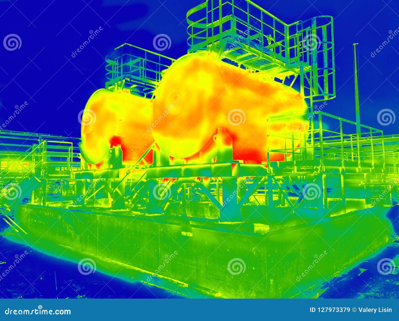 Infrarood beeld van twee tanks