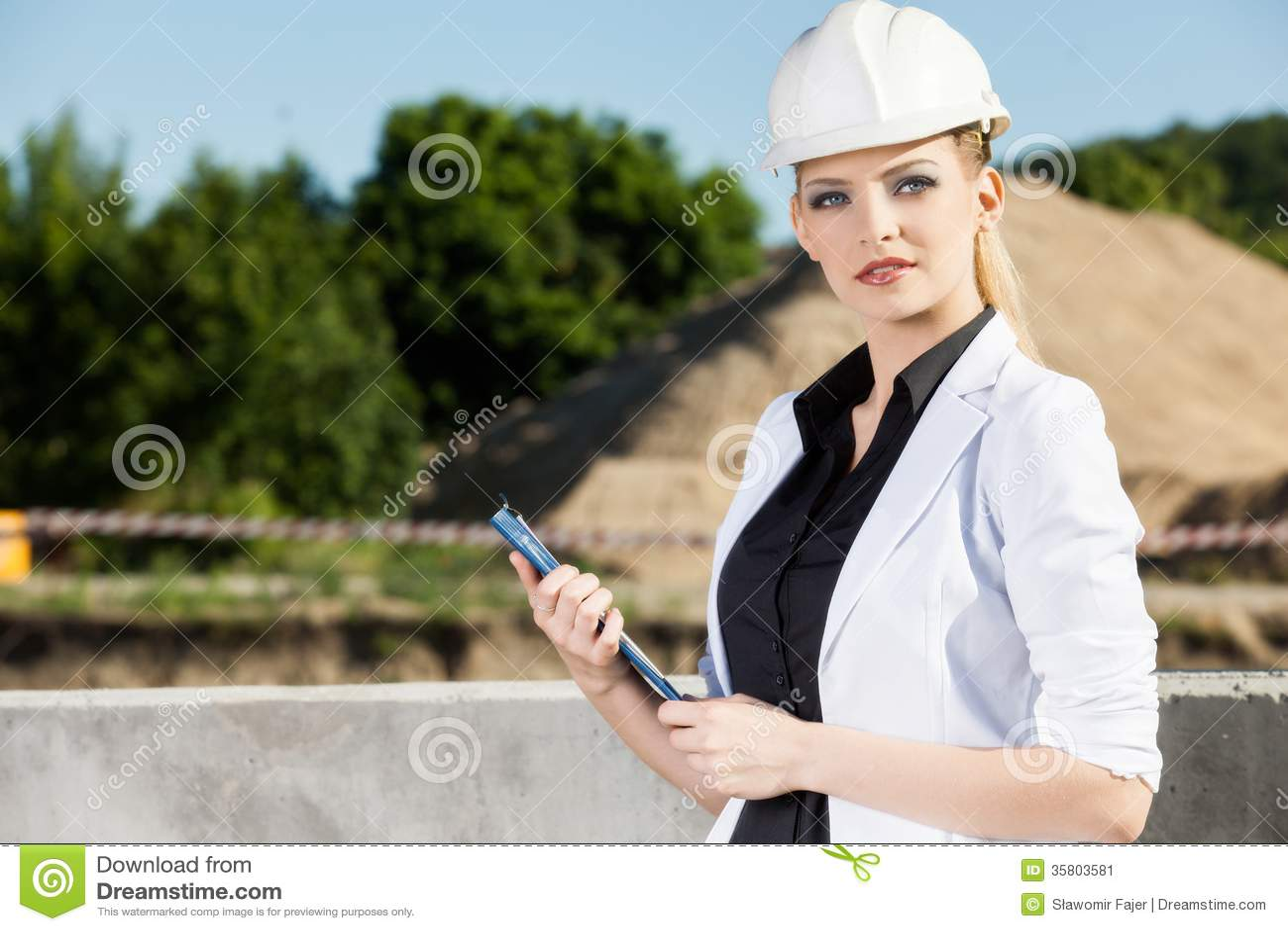 Ingénieur féminin
