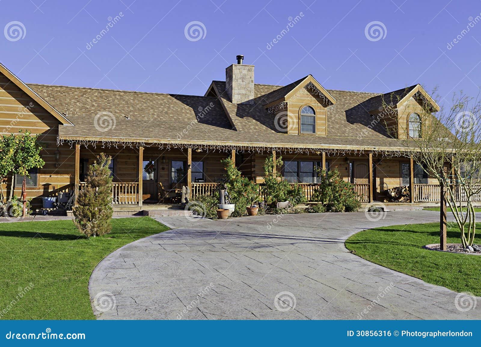 Ingang aan een buitenkant van het boerderijhuis stock foto afbeelding 30856316 - Ingang van een huis ...