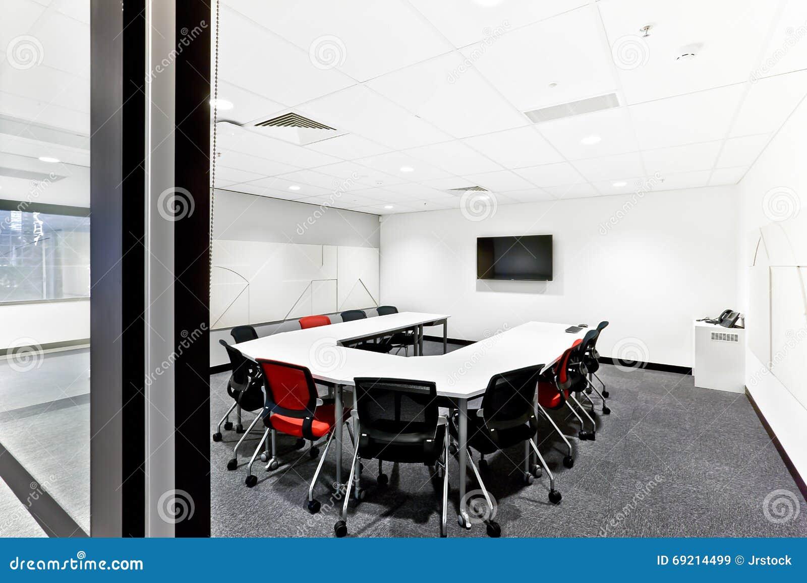 Ingang aan een moderne vergaderzaal met deurpost stock afbeelding