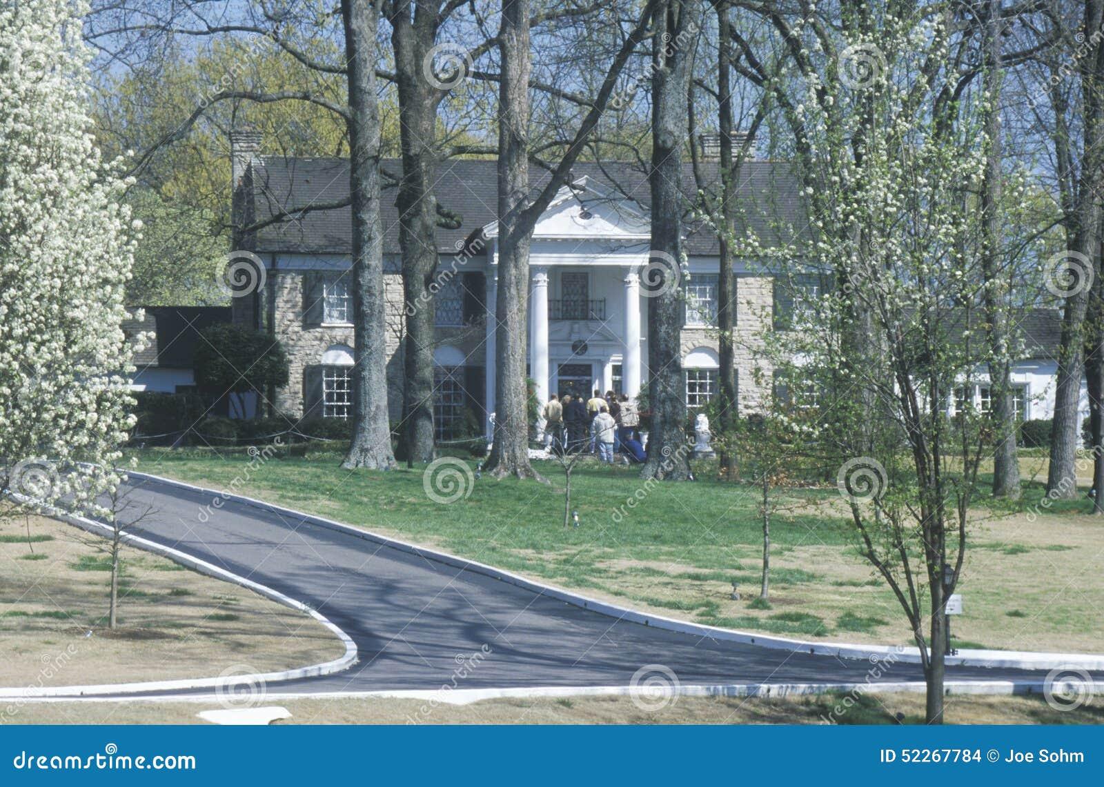Ingang aan graceland huis van elvis presley memphis tn redactionele stock afbeelding - Ingang van het hedendaagse huis ...
