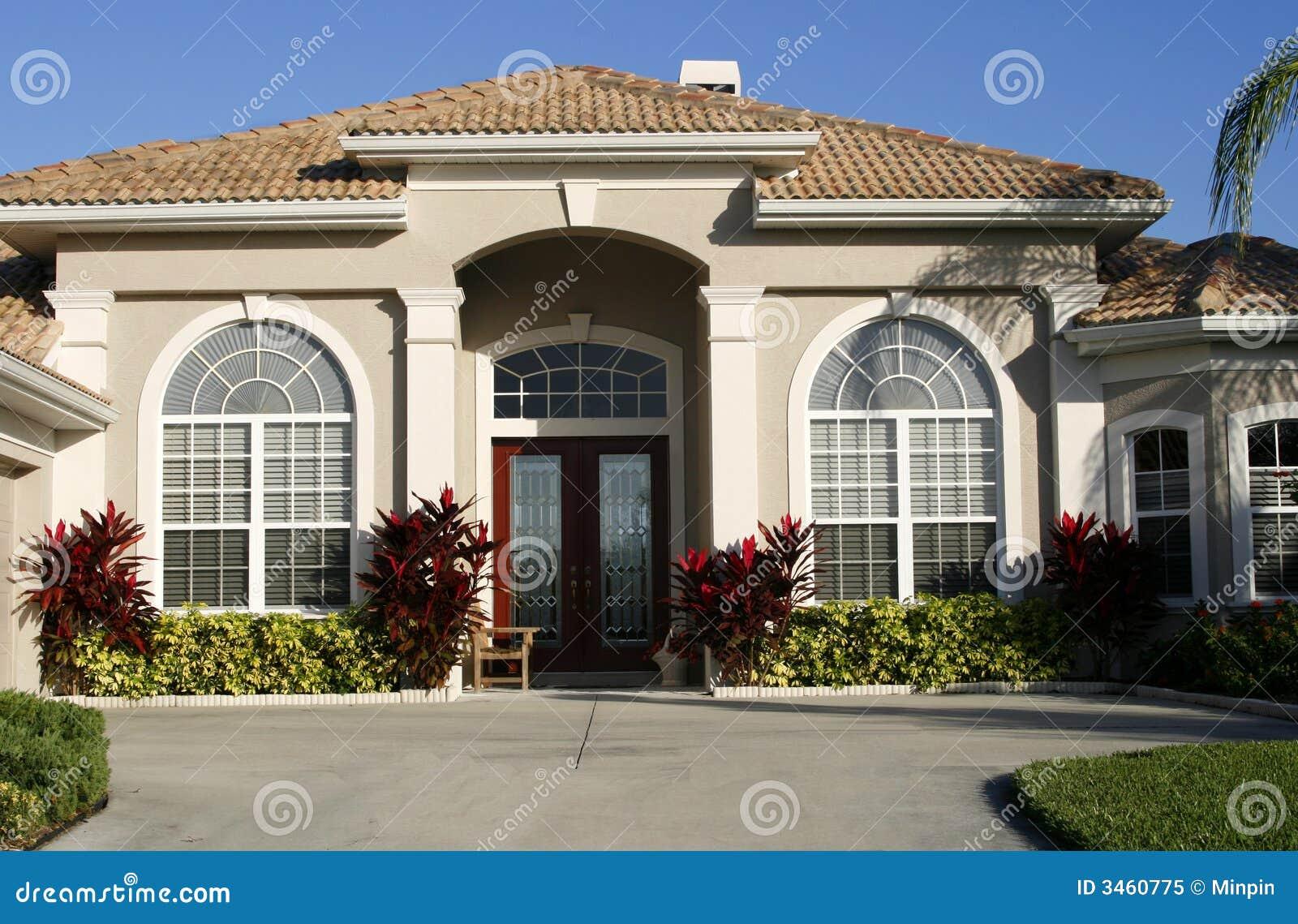 Ingang aan mooi huis royalty vrije stock foto afbeelding 3460775 - Huis ingang ...