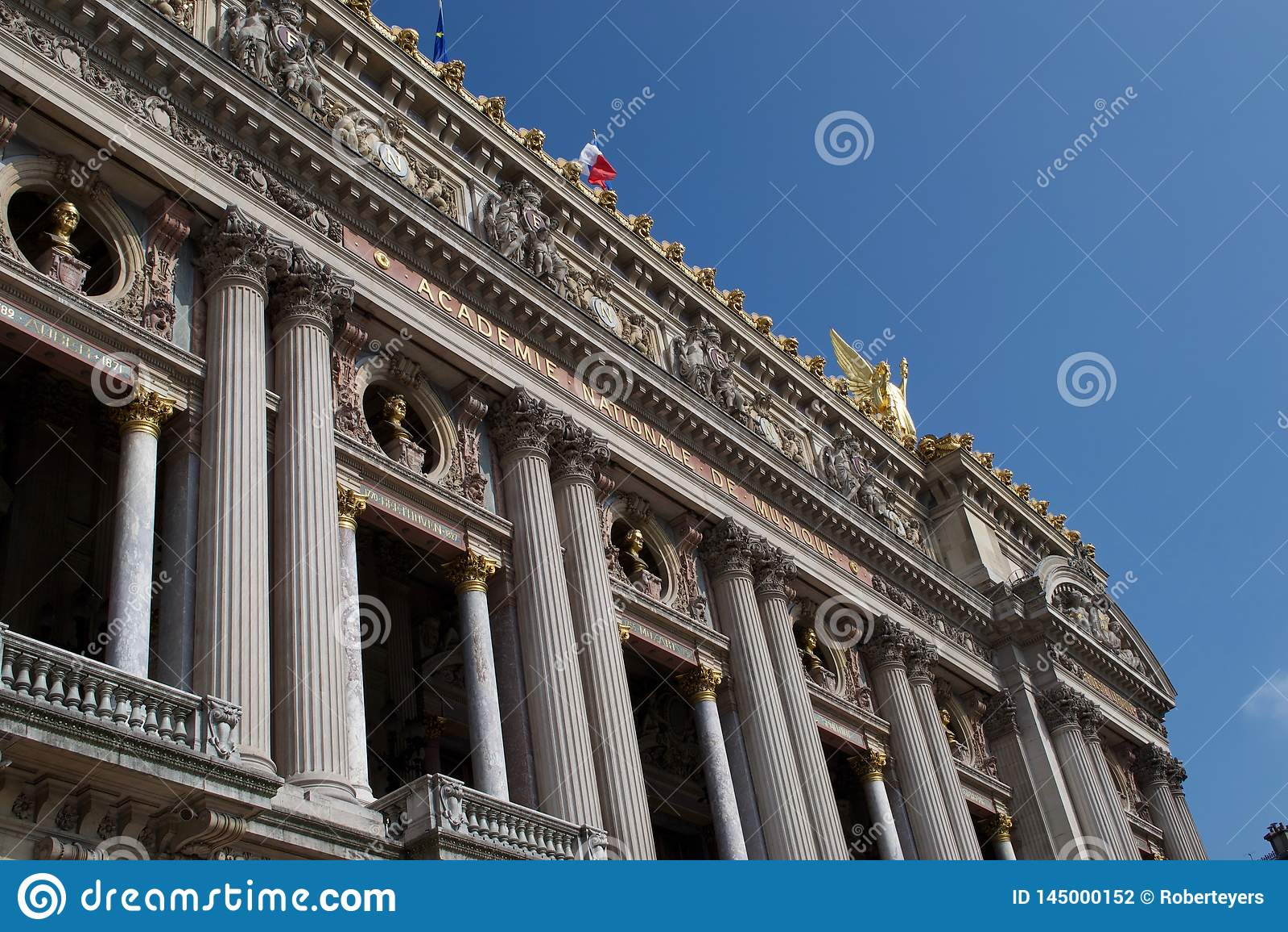 Ingang aan Palais Garnier - Academie Nationale DE Muisque - de Opera Frankrijk van Parijs